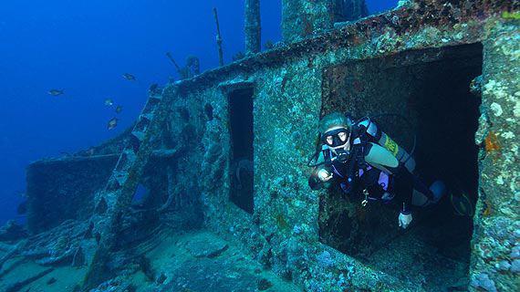 شش نکته درباره غواصی در کشتی های غرق شده!!